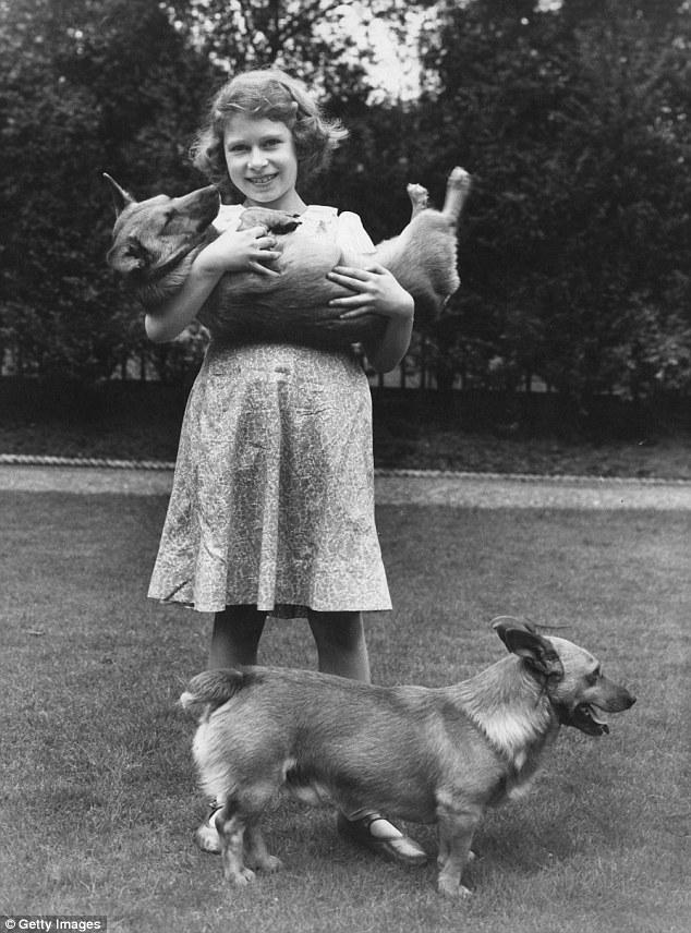 Elizabeth II et ses corgis