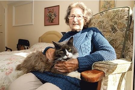 Nancy et son chat Cleo