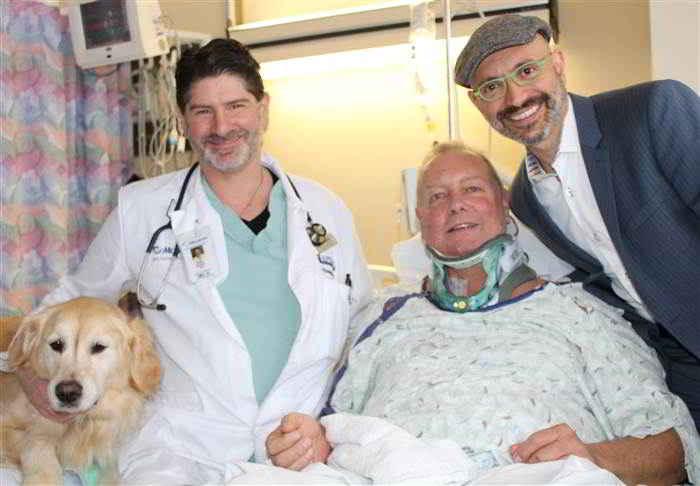 Bob, son chien Kelsey et les médecins