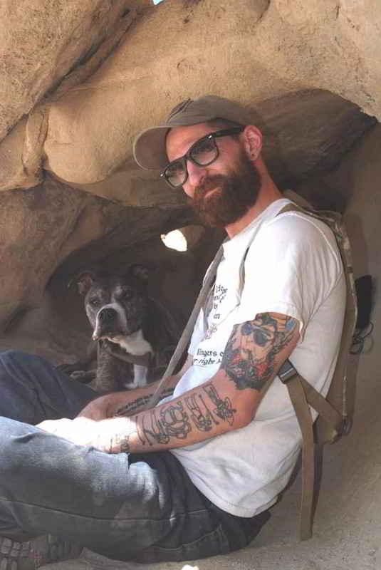 David et son chien Bones