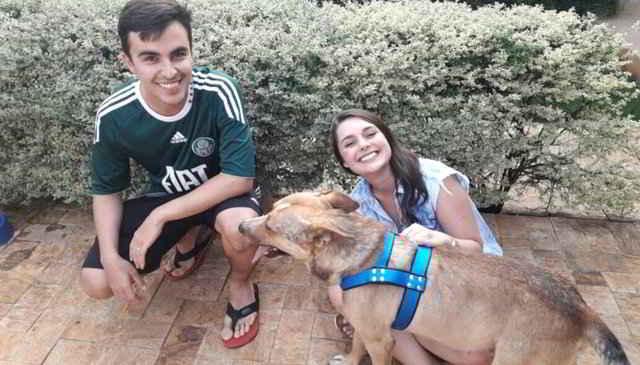 Marilia et Matheus et le chien