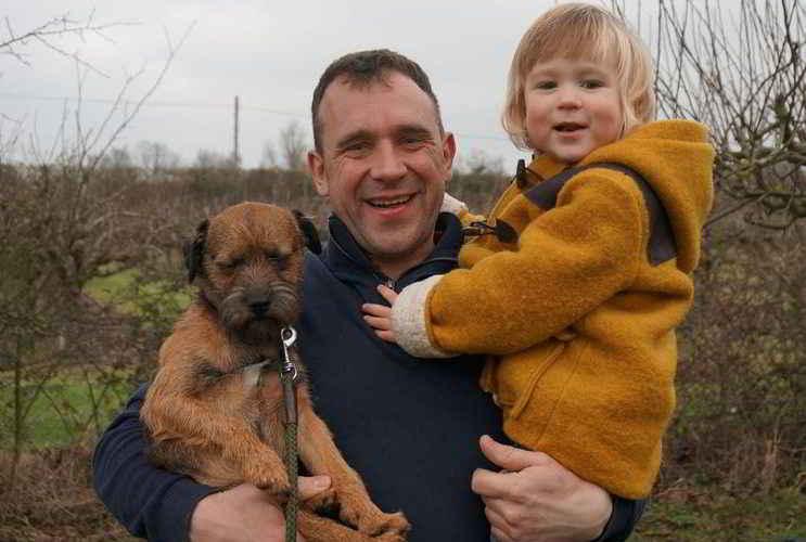 Morse, le petit Edward et son papa