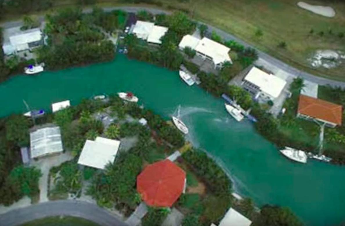 Le canal de Marco Island en Floride