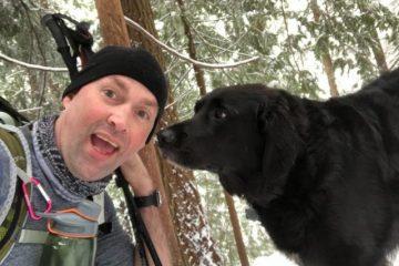Les randonneurs et le chien